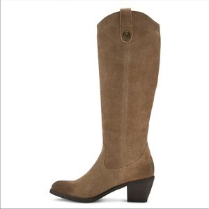 New GENUINE Leather Suede Boots Heeled Taupe SZ 8